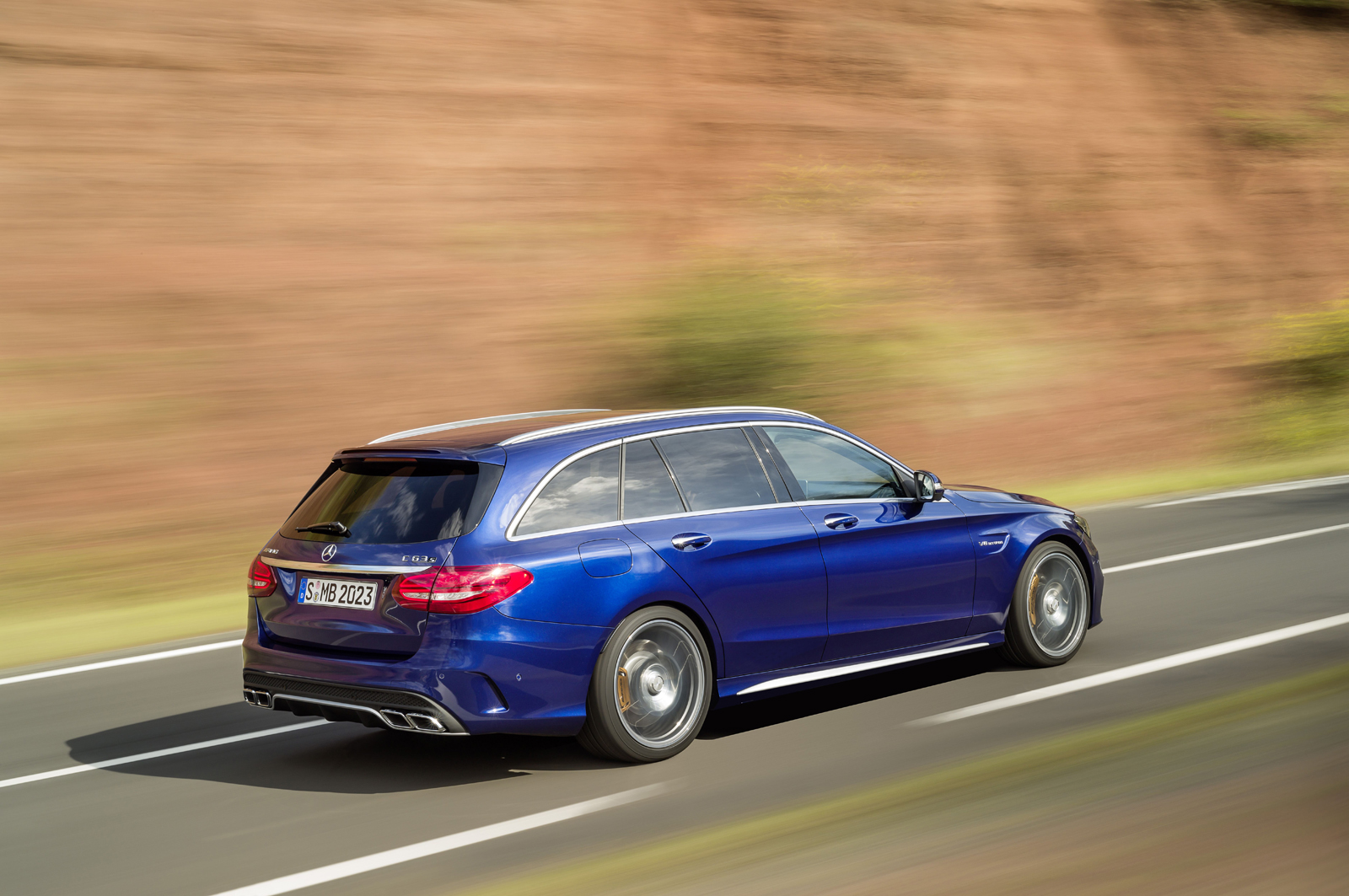 mercedes-amg-c63-estate-paris-2014-mercedesblog-102