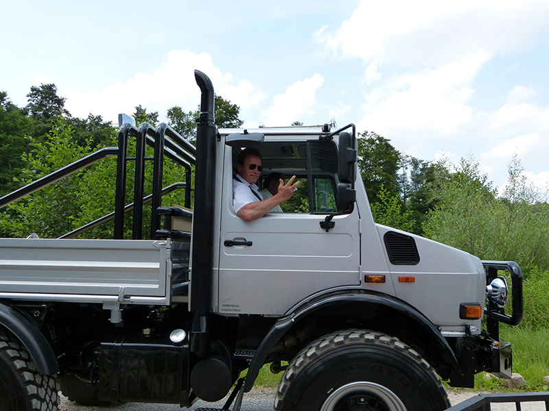 Arnold's Unimog for sale again – The truck of the Terminator