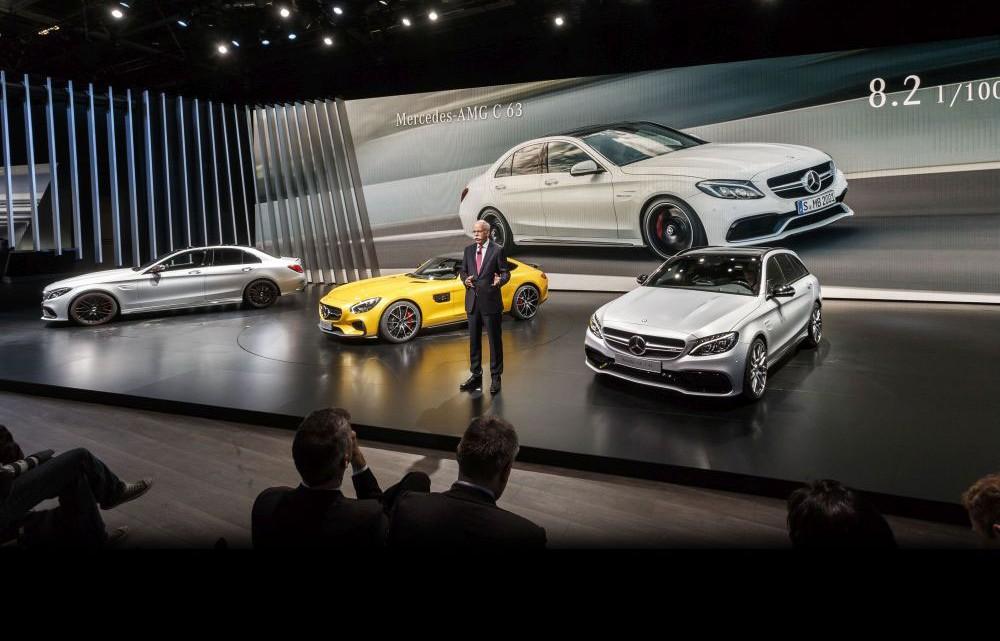 Mercedes News at Mondial de l'Automobile (video)