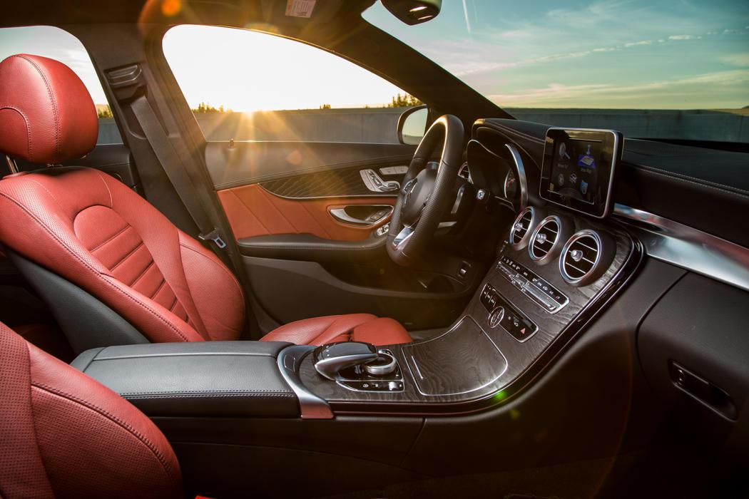 2015-Mercedes-Benz-C-Class-7