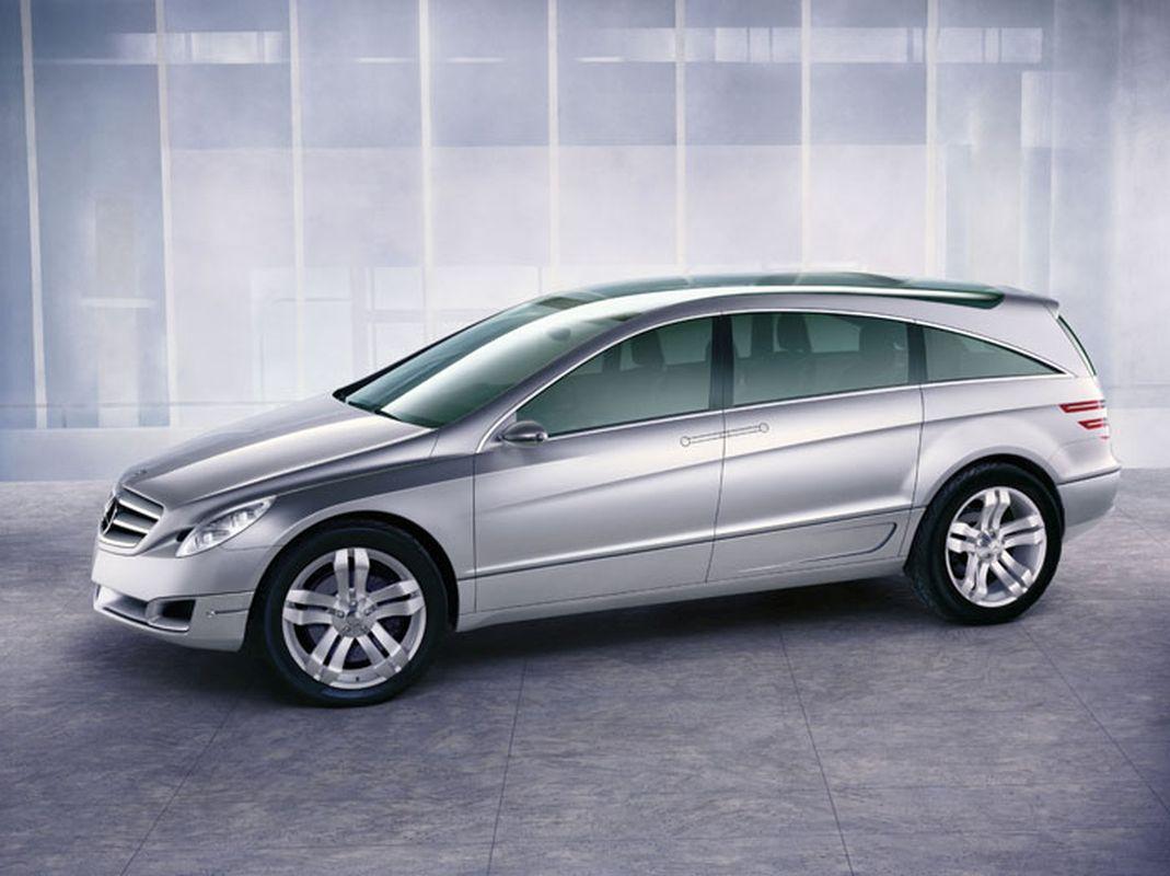 Mercedes GST 1