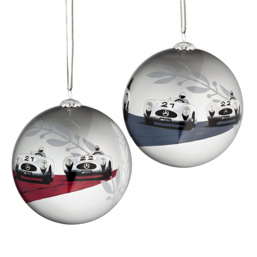 It s beginning to look a lot like a mercedes mercedesblog for Mercedes benz christmas ornament