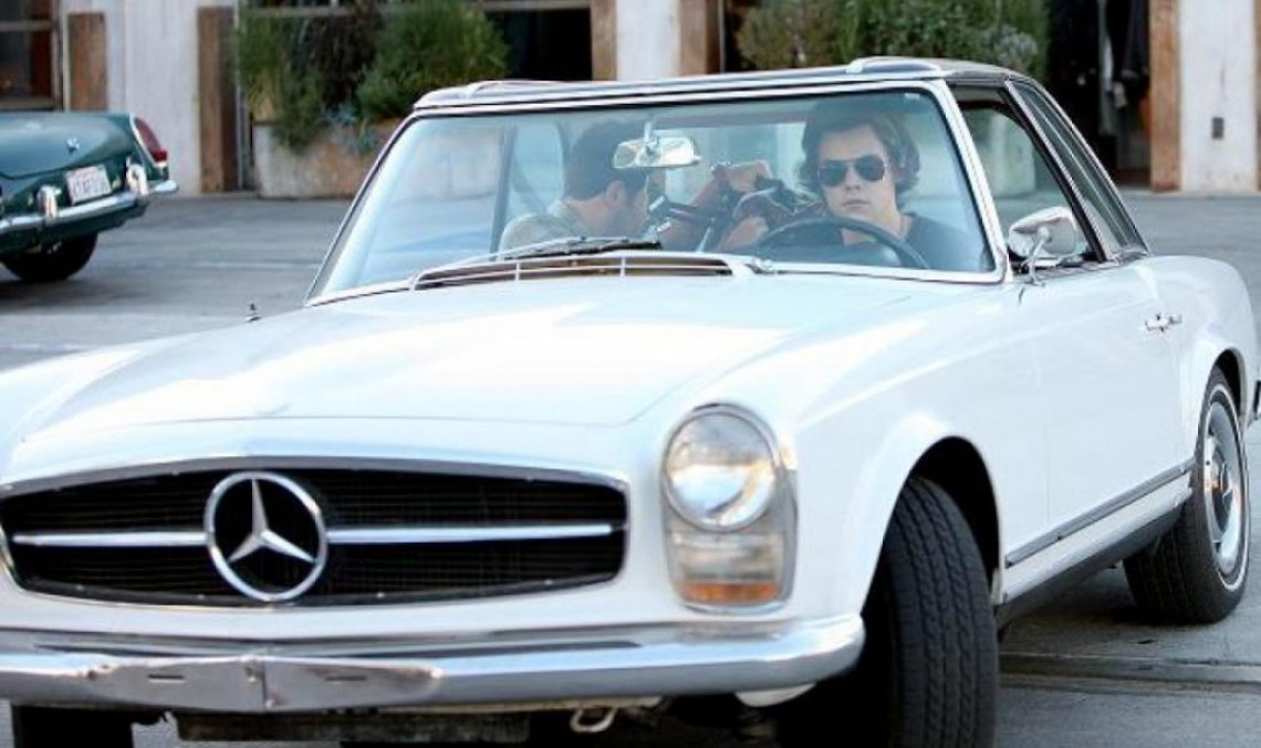 Harry Styles – His Car is Older than Him