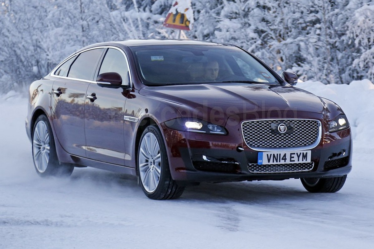 Spied jaguar xj facelift spotted during snow testing mercedesblog