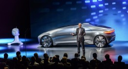 Zetsche attacks Toyota: 'Fuel cell patent offer, a PR move'