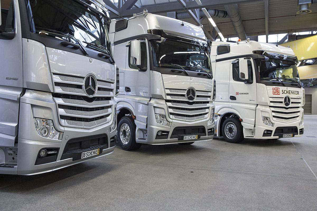 Neue Mercedes-Benz Actros als Racetrucks für das MERCEDES AMG P