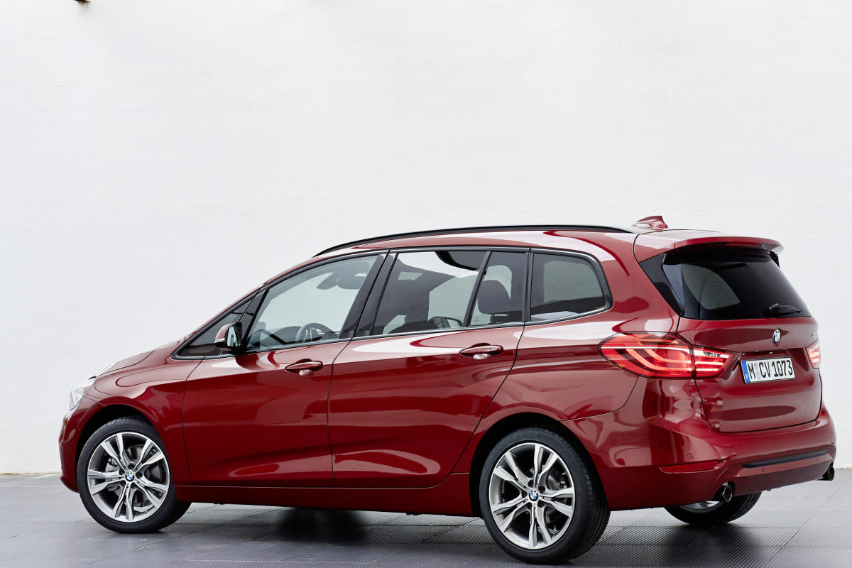 bmw outsmarts the b class with 7 seater 2 series gran tourer mercedesblog. Black Bedroom Furniture Sets. Home Design Ideas