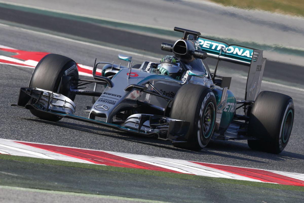 teste-barcelona-F1-2015-2
