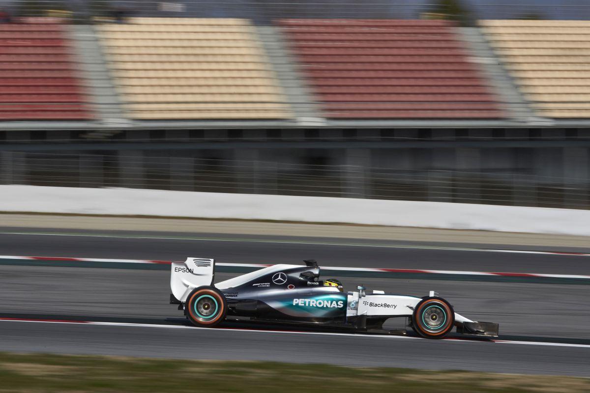 teste-barcelona-F1-2015-3