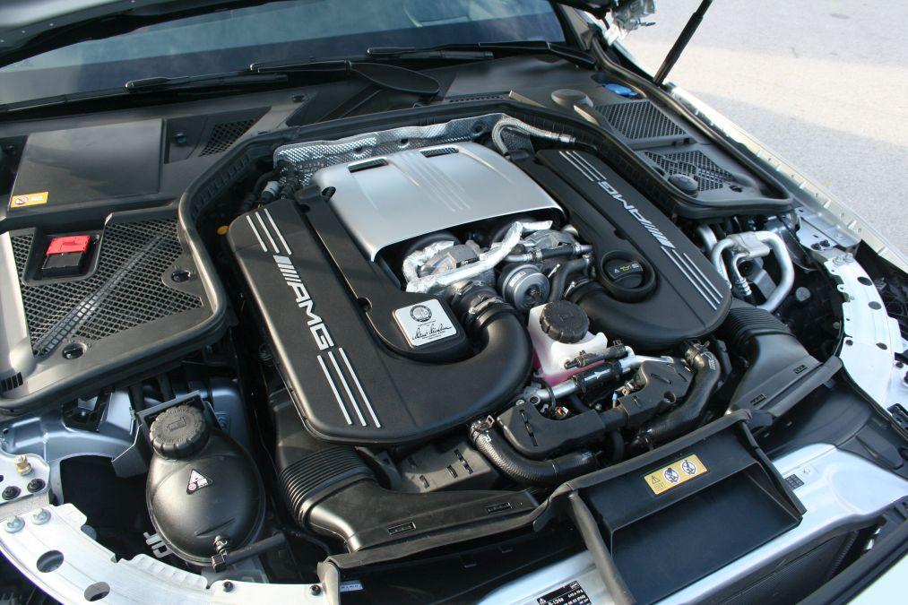 Mercedes-C-63-S-drive-test-26