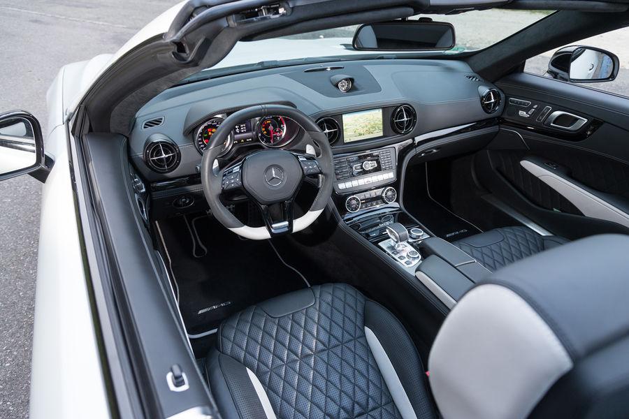 Mercedes-SL-63-AMG-vs-BMW-M6 (13)