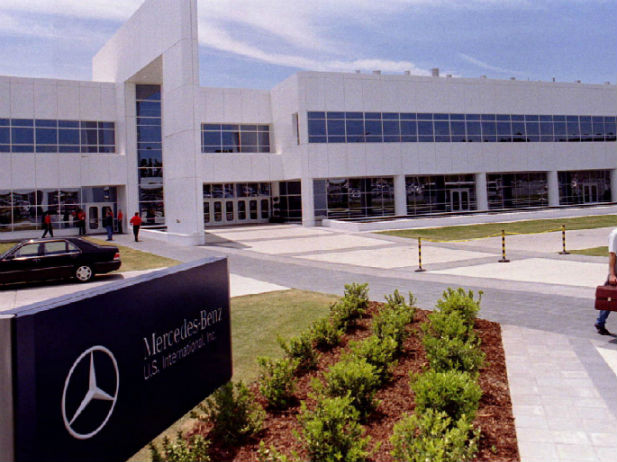 Mercedes benz employees top paid in industry mercedesblog for Mercedes benz usa factory