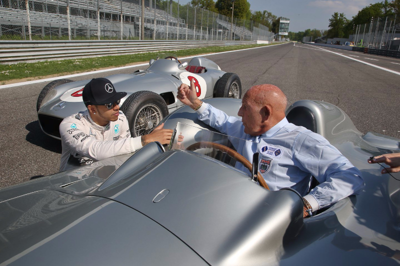Lewis-Hamilton-and-Sir-Stirling-at-Monza-11