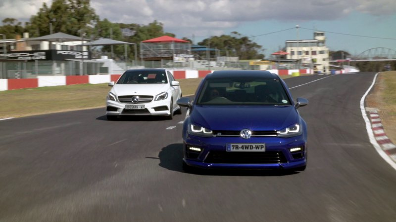 The War Of The Hot Hatch Vw Golf 7r Vs Mercedes A 45 Amg