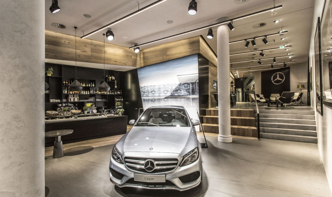 Mercedes-Benz USA has to expand its services network