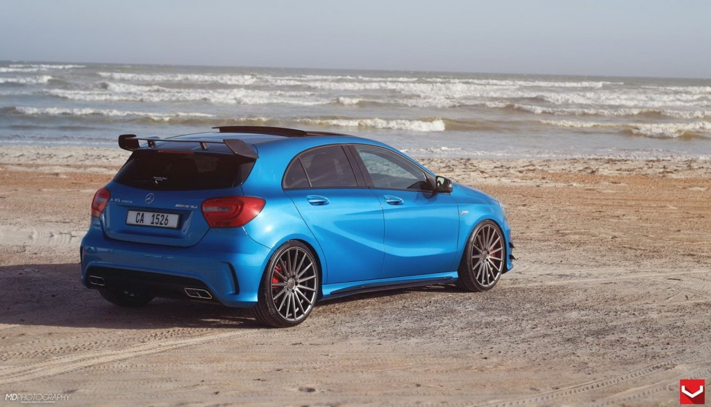 a 45 amg the power beauty running on vossen wheels mercedesblog. Black Bedroom Furniture Sets. Home Design Ideas