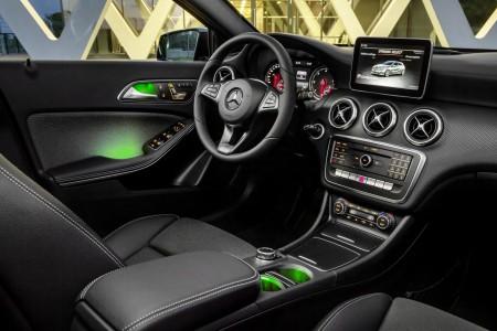 2016-Mercedes-A-Class-2