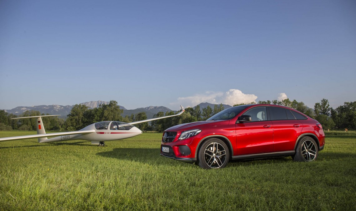 The Mercedes-Benz GLE is ready for some driving! Latest photos and videos