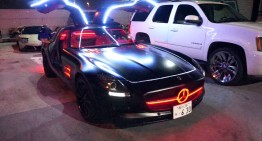 The stroboscopic LED SLS AMG in Japan. Are you wearing sunglasses?