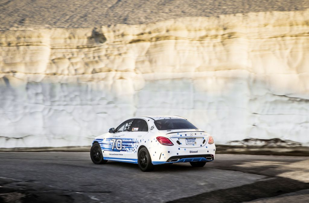 Mercedes C 300d 4Matic sets a new record for a diesel at Pikes Peak