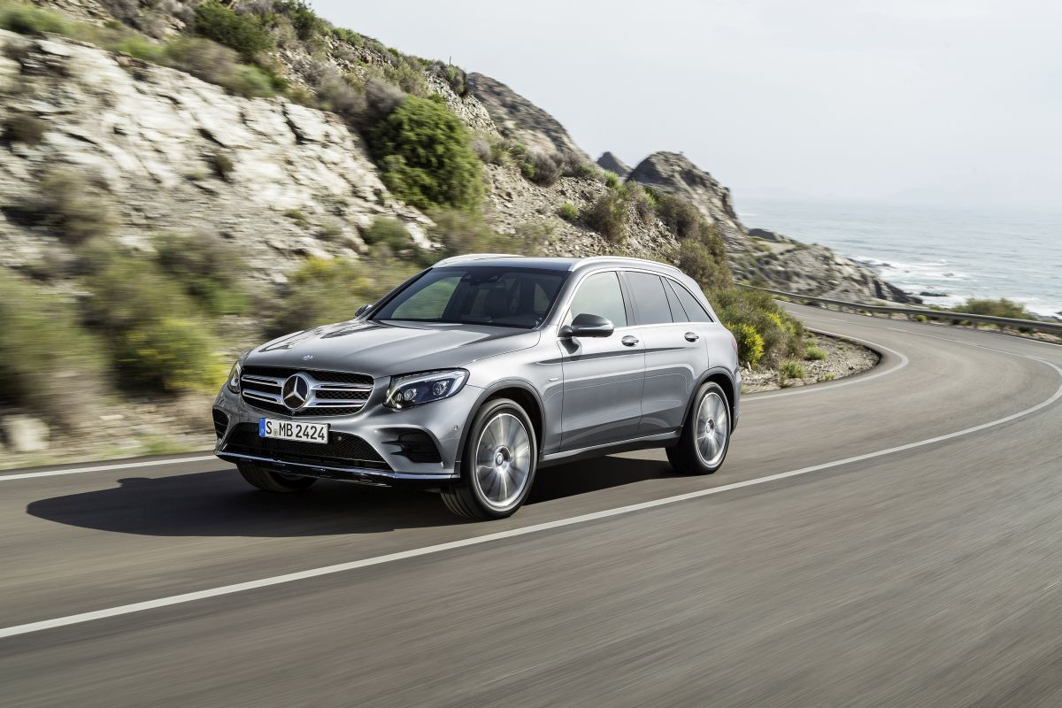 Mercedes Glc Vs Audi Q5 Bmw X3 And Lr Discovery Sport