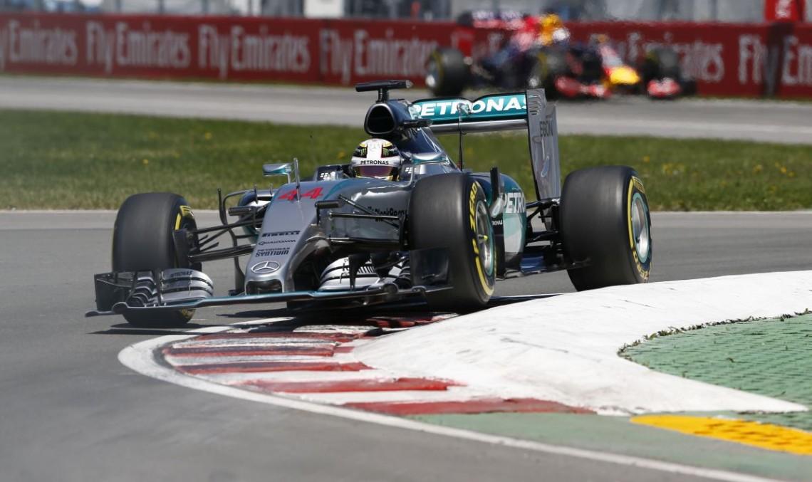 Canada F1: Hamilton goes back to leading