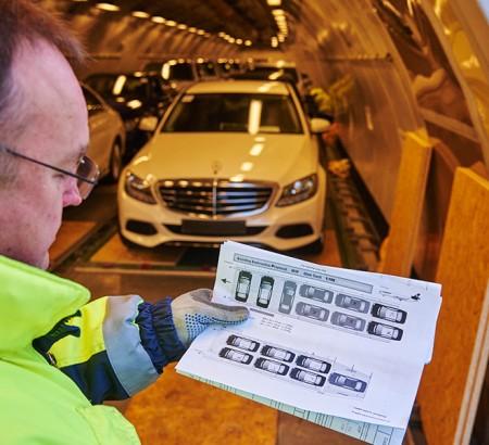 Mercedes-Benz Cars cargo Lufthansa