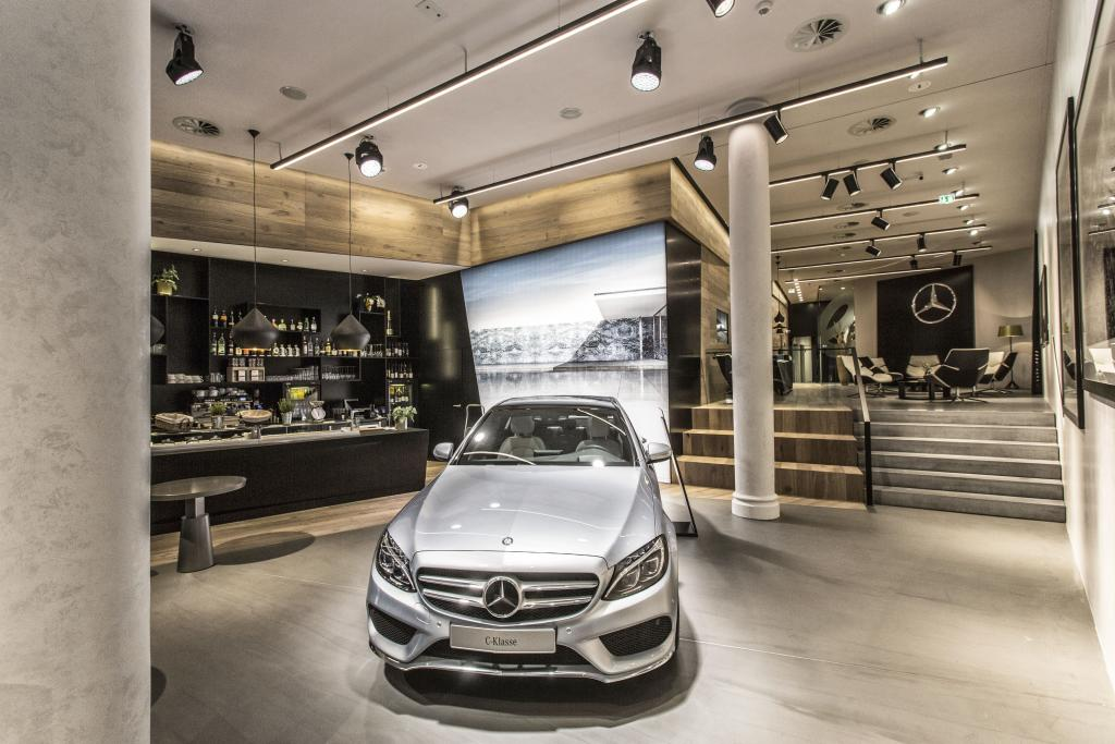 Konichiwa japan first asian mercedes me store opened in for Mercedes benz shop online