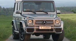 Autoblog reviews the 2015 Mercedes-Benz G 65 AMG