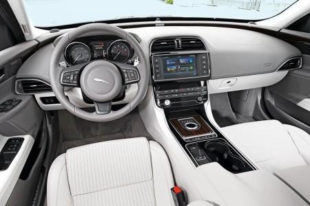 jaguar xe - mercedesblog.com (2)
