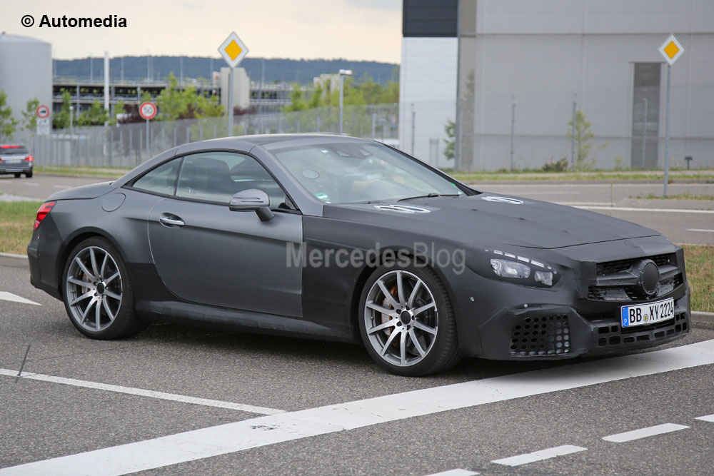 Refreshed Mercedes-AMG SL 63 caught ahead of Frankfurt debut