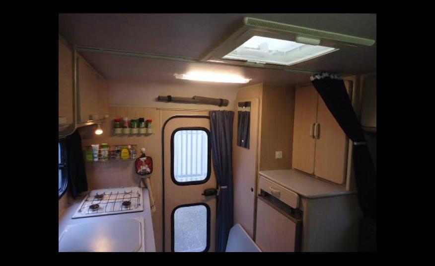 vintage mercedes camper it s bulletproof mercedesblog. Black Bedroom Furniture Sets. Home Design Ideas