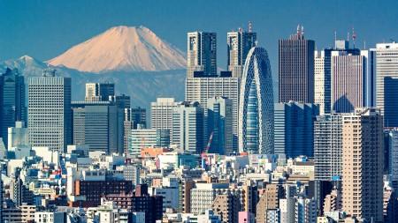 Lewis Hamilton Maybach Tokyo