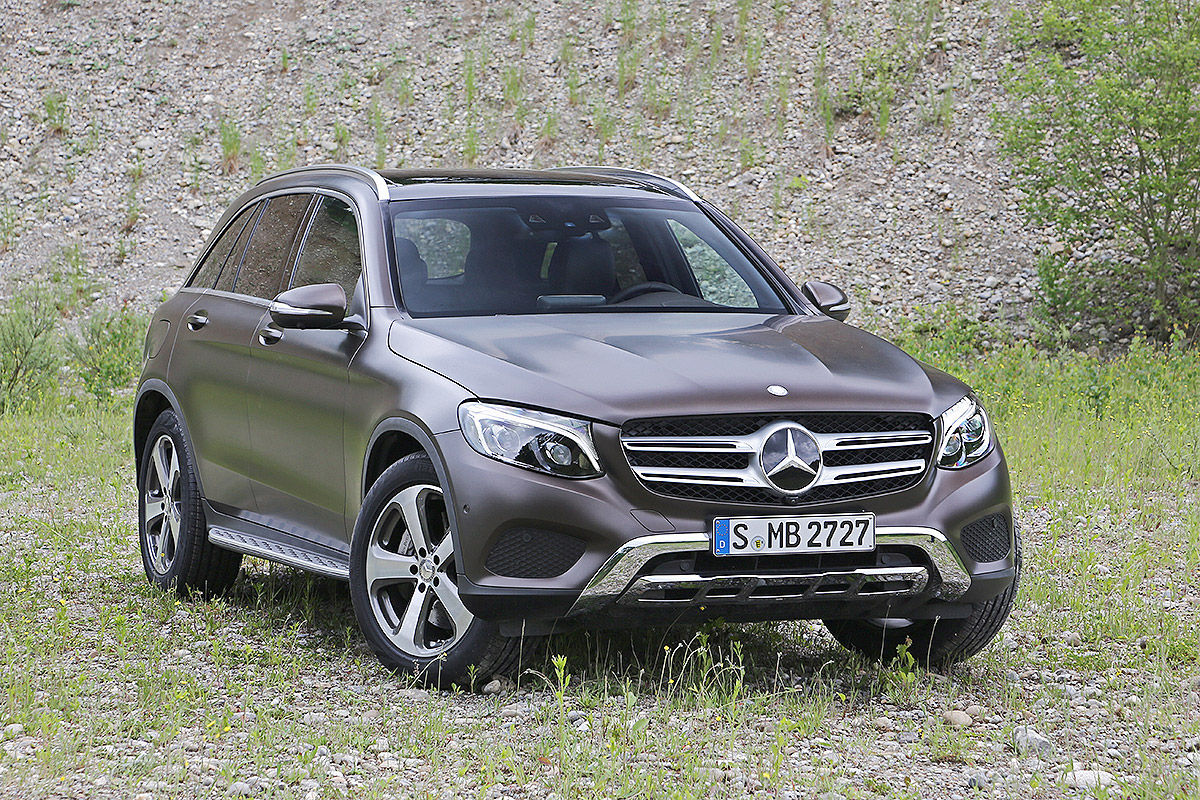 mercedes-benz-glc-q5-13