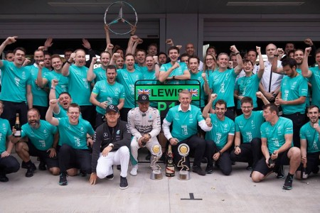Putin soaked 5 Mercedes-AMG Petronas