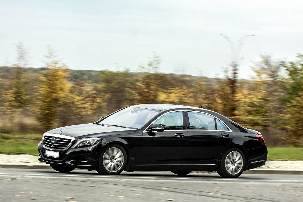 Exclusive First Comparison Test Mercedes Benz S 500