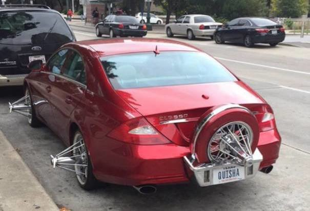 The end of style as we know it. Mercedes-Benz CLS sports bizarre wheels