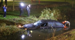 """Help, my car is drowning!"" – Dutch driver takes his Mercedes into the swamp"