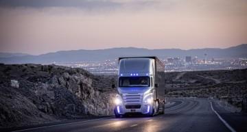 Daimler Trucks wins European Excellence Award 2015