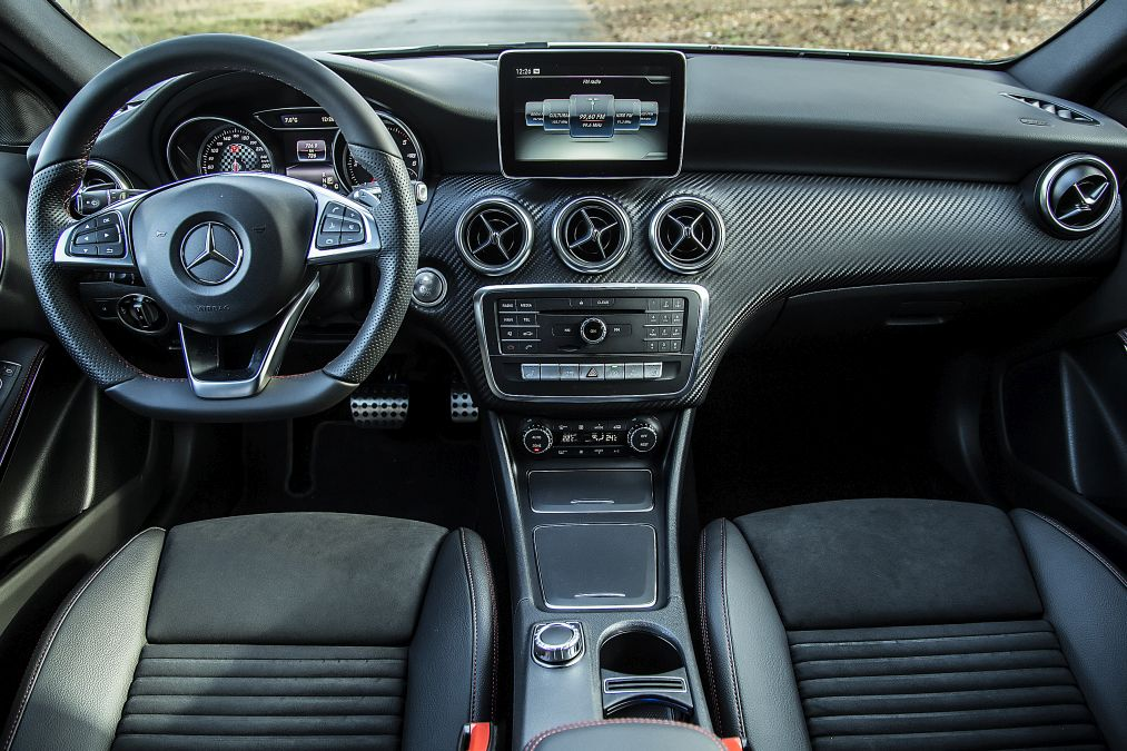 mercedes a 200 d facelift review mercedesblog. Black Bedroom Furniture Sets. Home Design Ideas