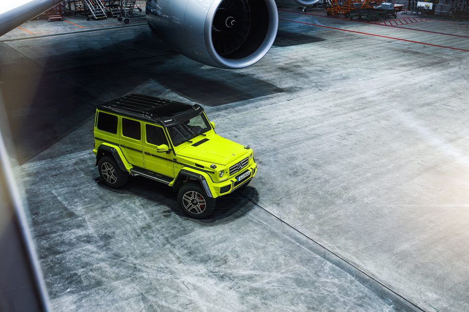 Mercedes-Benz G 500 4x4² and Airbus A 380 6