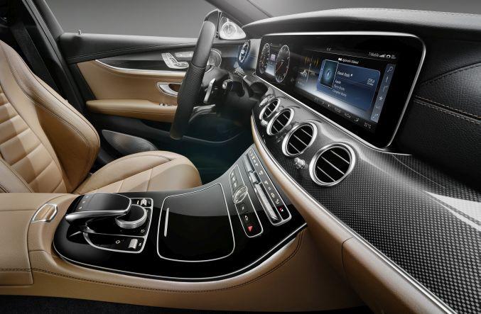 Mercedes E-Class 2016 dashboard 6