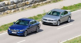 First comparison Mercedes C 350e vs VW Passat GTE