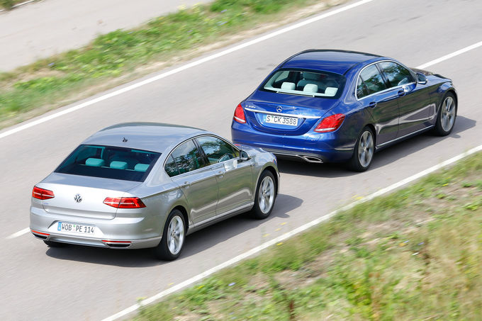 comparison test Mercedes C350e vs VW Passat GTE (8)