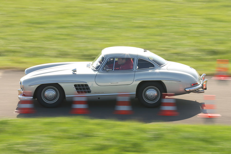 mercedes-300-sl-gullwing-test-2