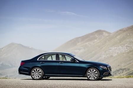 2017-Mercedes-Benz-E-Class-43