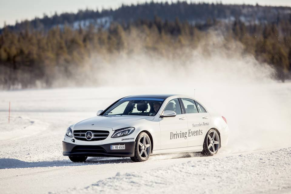 Making snow angels behind the wheel – The winter driving event