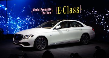 Live from Detroit: The new Mercedes-Benz E-Class takes center stage!