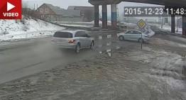 Like a tank. Mercedes R-Class driver unharmed after crushing a Hyundai