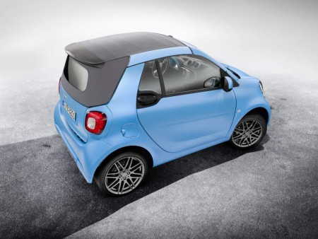 Baby-blue smart fortwo cabrio BRABUS edition 2016